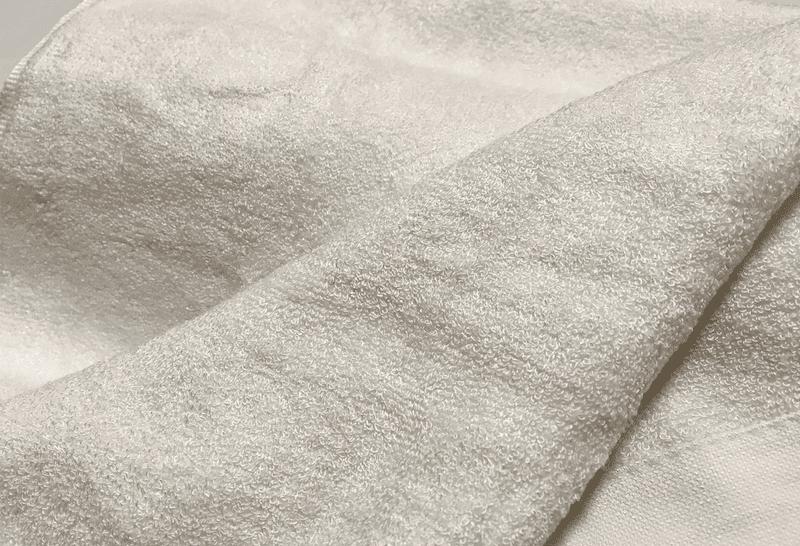 抗菌性が高い天然素材で作られた綿を超えるタオルも存在する